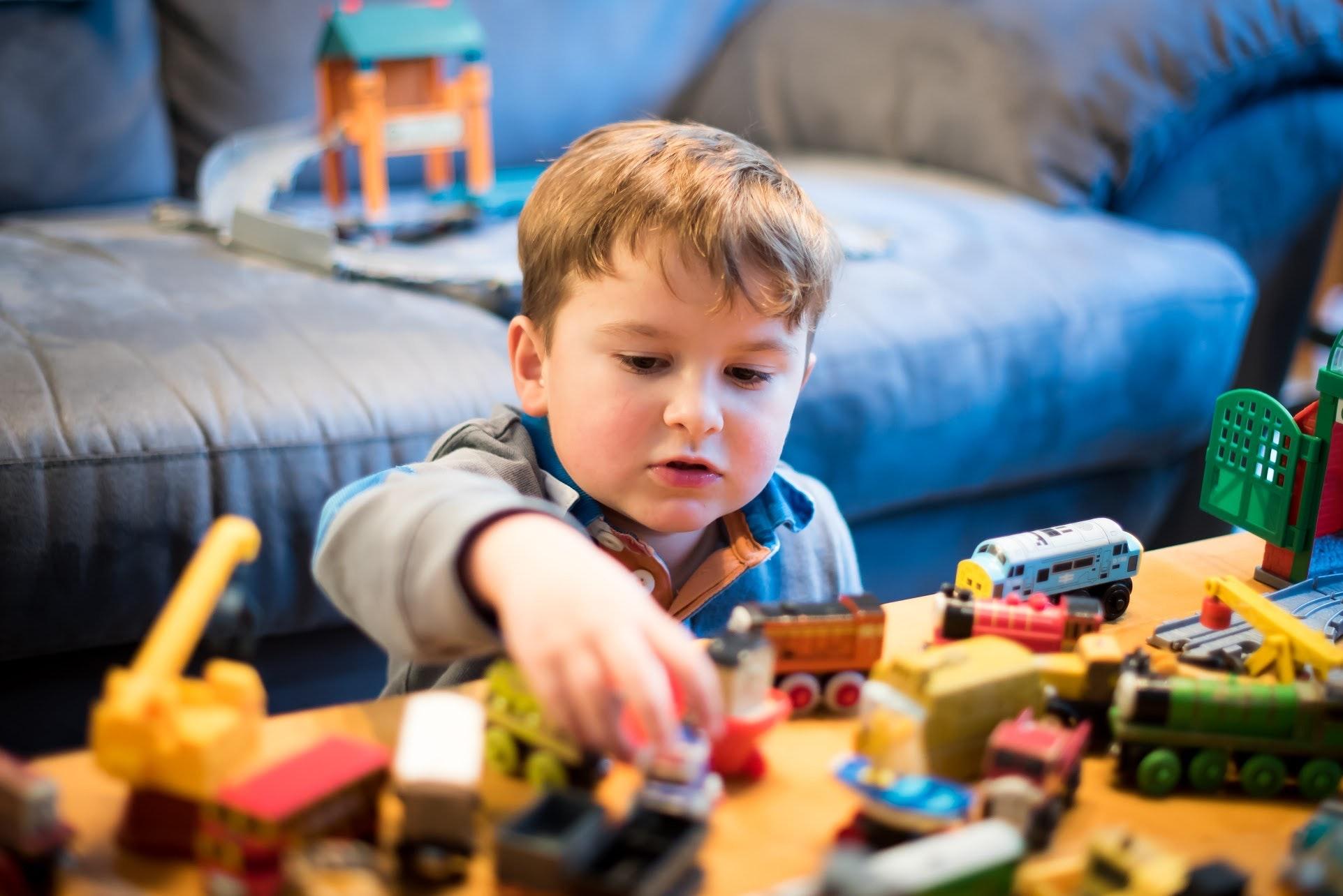 Troque brinquedos por experiências e crie belas memórias com seu filho